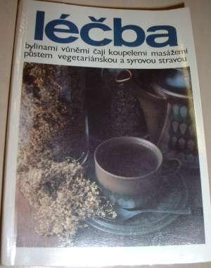 Léčba bylinami, vůněmi, čaji, koupelemi, masážemi, půstem, vegetariánskou stravou
