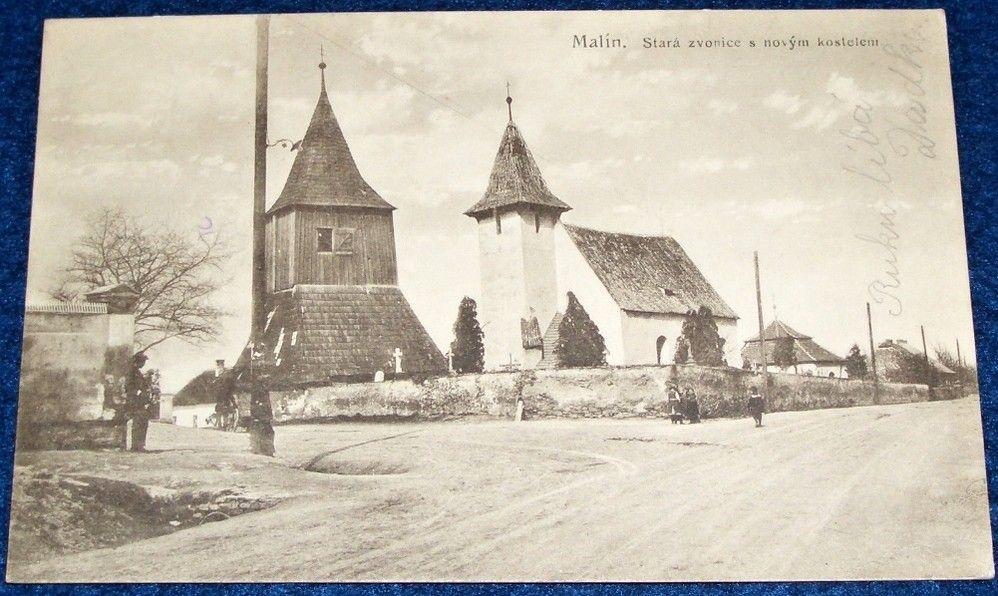 Malín - Stará zvonice s novým kostelem 1924