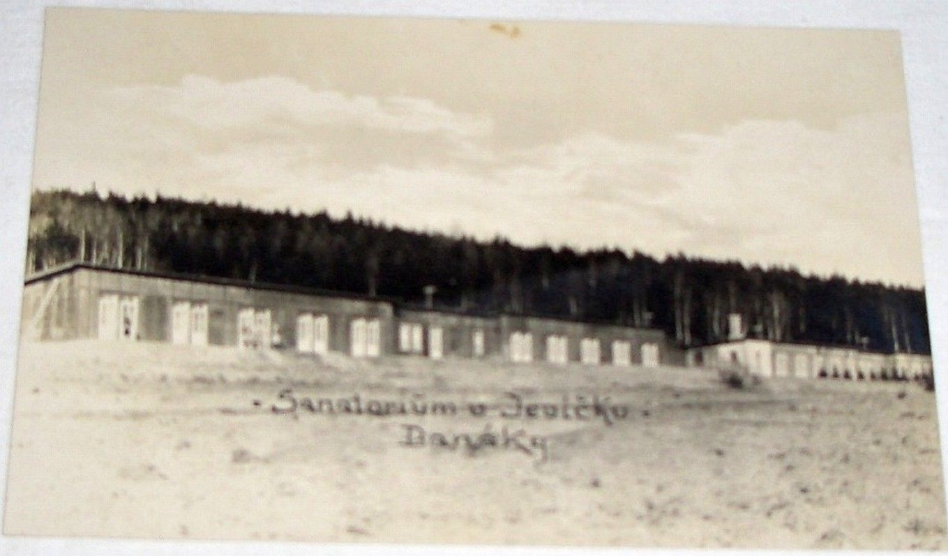 Jevíčko sanatorium: baráky