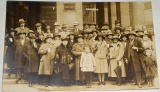 Karlovy Vary  skupinové foto lázeňských hostů, cca 1910
