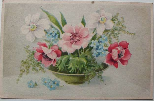 Mísa s květinami -