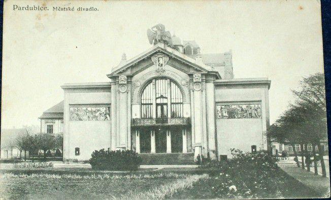 Pardubice Městské divadlo 1933